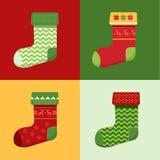 De vlakke die Sokken van de winterkerstmis met pixeldeers en Kerstmisbomen worden geplaatst Stock Afbeelding