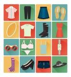 De vlakke geplaatste kleren van de pictogrammendame Stock Foto
