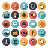 De vlakke geplaatste pictogrammen van het spelontwerp vector illustratie