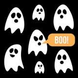 De vlakke geplaatste spoken van Halloween van het ontwerpbeeldverhaal, inzameling op zwarte achtergrond Stock Afbeelding