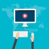 De vlakke online video vlakke illustratie van ontwerpconcepten Stock Foto's