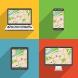 De vlakke ontwerp lange schaduw stileerde moderne vectorpictogramreeks gadgets en apparaten met GPS-kaart Stock Foto