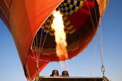 De vlam van het gas van een hete luchtballon Stock Foto
