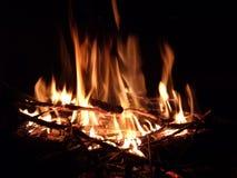 De vlammen van het nachtkampvuur Royalty-vrije Stock Fotografie