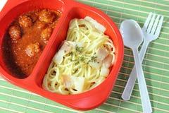 De vleesballetjes van de spaghetti in tomatensaus Royalty-vrije Stock Foto's