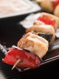 De Vleespen van Yakitori met Saus Sukiyaki Stock Afbeeldingen
