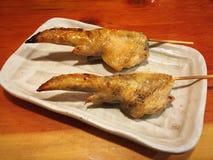 """De vleugel van de Yakitorikip met zoute ç """"¼ 㠁  é ³ ¥ æ ‰ ‹ç ¾ ½ å ¡ © ç """"¼ 㠁  Royalty-vrije Stock Foto's"""