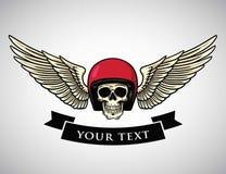 De Vleugels Logo Template van de schedelhelm Uitstekend Motorfietsontwerp voor T-shirtgrafiek Fietser en Motorfietsembleem Vector Stock Afbeelding