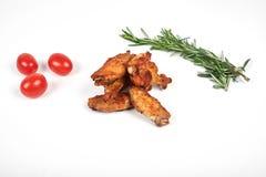 de vleugels van de barbecuekip op witte achtergrond Royalty-vrije Stock Fotografie
