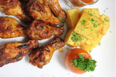 De vleugels van de kip met barbecuesaus Stock Afbeelding