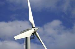 De vleugels van de windmolen stock afbeelding