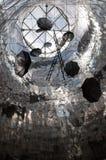 De Vliegende paraplu's van het roestvrij staalwerk door beeldhouwer George Zongolopulos, Athene Stock Afbeeldingen