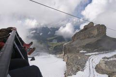 De Vlieger van het stoeltjesliftijs, zet Titlis op Royalty-vrije Stock Afbeeldingen