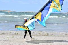 De vliegersurfers leren aan vlieger Royalty-vrije Stock Foto's