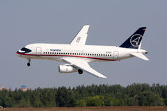 De vliegtuigen Sukhoi superjet-100 van de passagier. Royalty-vrije Stock Foto