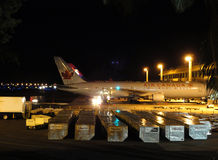 De vliegtuigen van Canada van de lucht en van Hawaiian Airlines zitten bij Lucht Royalty-vrije Stock Foto