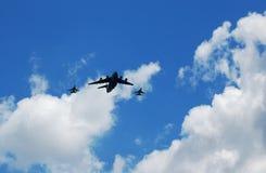 De vliegtuigen van de bommenwerper en van de vechter Stock Foto's