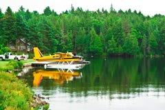 De vliegtuigen van de vlotter op Meer Royalty-vrije Stock Foto's