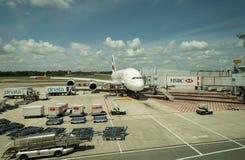 De vliegtuigen van emiraten op het tarmac royalty-vrije stock foto's