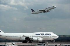 De vliegtuigen van Frankrijk van de lucht Stock Afbeeldingen