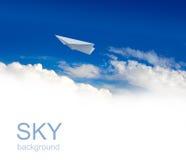 De vliegtuigen van het document in hemel Stock Foto's