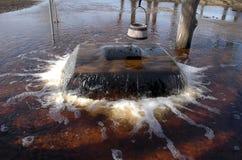 De vloed van de lente in Tuhala, kokende Heks goed royalty-vrije stock foto