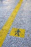 De vloer schilderde gele ganglijn Stock Fotografie