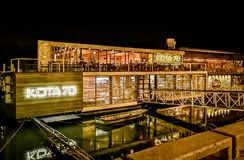 De vlotter van Belgrado, bootcoffeehouse en restaurant op Sava-rivier, nachtschot royalty-vrije stock afbeelding