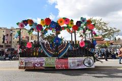 De vlotter van clubguadalajara bij de Chinese het Nieuwjaarparade van Los Angeles royalty-vrije stock foto
