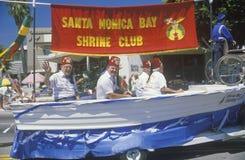 De Vlotter van de heiligdomclub in 4 de Parade van Juli, Vreedzame Palissaden, Californië Royalty-vrije Stock Foto