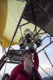 De vlucht van de hete luchtballon in Cappadocia, Turkije Stock Foto's