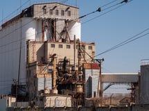De voedingsmiddelen van de bedrijfinstallatie structureren architectuur het technische van de de reservoirshemel van de bouwtoren royalty-vrije stock fotografie