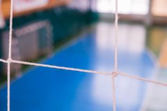 De voetbal defocused poortgebied, Futsal-balgebied in de gymnastiek binnen, het gebied van de Voetbalsport Stock Fotografie