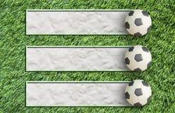 De Voetbal van de plasticine op gras Royalty-vrije Stock Afbeeldingen