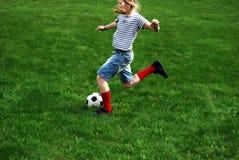 De voetbal van het spel Stock Foto's