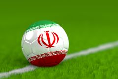 De voetbalbal met Iraanse 3D Vlag geeft terug Stock Foto