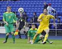 De voetbalgelijke van de Oekraïne - van Litouwen Stock Afbeeldingen