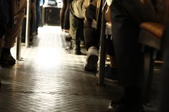 de voeten het diverse passagiers omzetten royalty-vrije stock fotografie