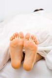 De voeten van de slaap stock afbeelding