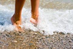 De voeten van de vrouw Stock Foto's