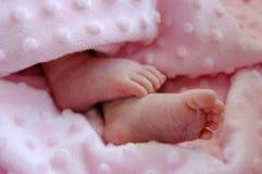 De Voeten van het Meisje van de baby Stock Foto's
