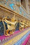 De vogelgod van A (van Krut) halve, beschermer in Wat Phra Kaew, Royalty-vrije Stock Foto's