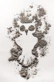 De vogelillustratie van de mysticusuil in as wordt gemaakt die Royalty-vrije Stock Afbeeldingen