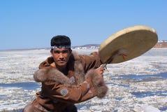 De volksdans van Chukchi Stock Afbeeldingen