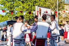 De Volksdansers van Roemenië in Nationale Soevereiniteit en van de Kinderen` s Dag Viering - Turkije Royalty-vrije Stock Afbeelding
