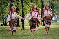 De volksrituelen brengen verbeteringen in het Gomel-gebied van de Republiek Wit-Rusland in 2015 op stock foto's