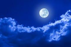 De volle maan betrekt Hemel Royalty-vrije Stock Afbeeldingen