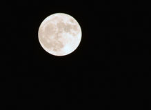 De volle maan op een donkere hemel met de details en de structuur Stock Fotografie