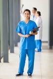 De volledige lengte van de verpleegster Stock Afbeeldingen