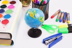 De volta ao conceito da escola com o escritório estacionário Imagem de Stock Royalty Free